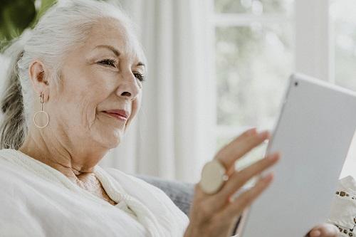 Tablette simple pour personne âgée